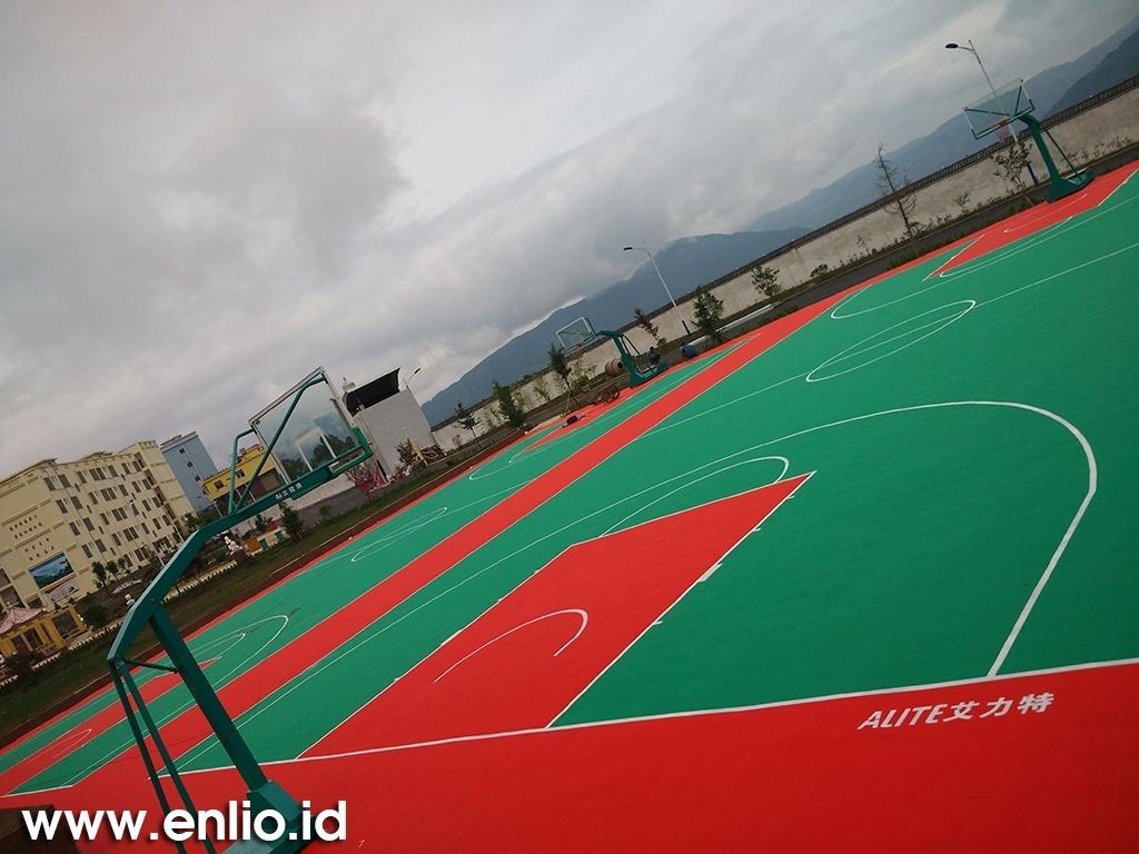 Pemakai Lapangan Basket Enlio 128